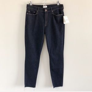NWT MOTHER Denim The Looker Ankle Fray Jeans 31